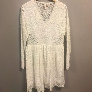 2 for $40 | H&M | White lace v neck dress